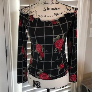 Medium black/red floral ultra flirt blouse